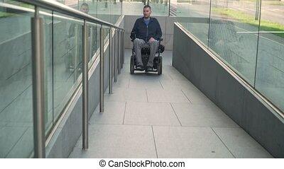 fauteuil roulant, homme, électrique, concept, accessibilité...