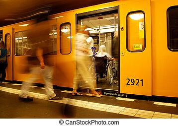 fauteuil roulant, métro