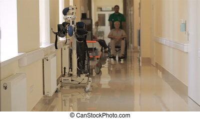 fauteuil roulant, patient, hôpital, poussées, docteur