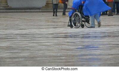 fauteuil roulant, pluie, homme