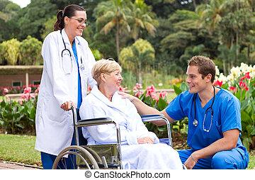 fauteuil roulant, pousser, patient, docteur