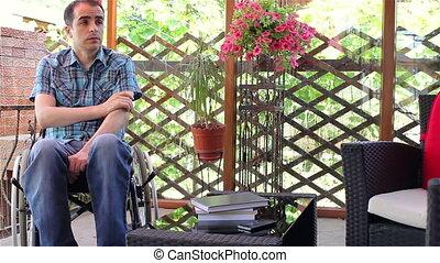 fauteuil roulant, sentiment, jeune homme, triste