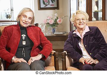 fauteuils, personne agee, délassant, femmes