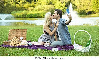 fazer, par, selfie, beijando