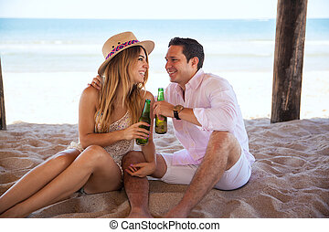 fazer, um brinde, com, cerveja, praia