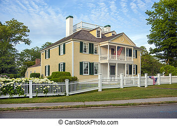 Federal period house - A 1790's federal style wood home. The...