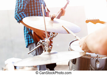 Feel the beat - A street muscian playing drums
