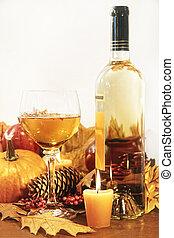 feestelijk, decoraties, met, wijntje, en, kaarsjes, voor, dankzegging