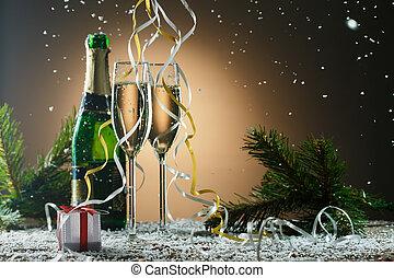 feestelijk, kerstmis, samenstelling, met, champagne bril, cadeau, en, sneeuw