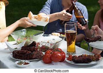 feestje, zich, het genieten van, vrienden, tuin