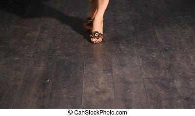 feet, kobieta, obuwie, taniec
