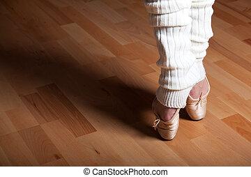 feet of a ballet dancer