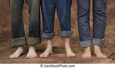 feet, trzy, pary