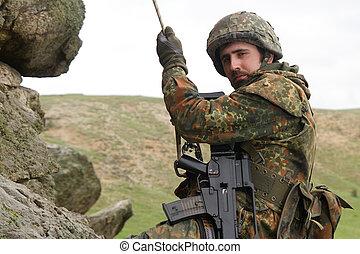 fegyveres, hadi, alpinista, felakaszt, odaköt
