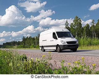 fehér, furgon, képben látható, vidéki autóút