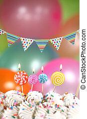 feier, mit, luftballone, kerzen, und, kuchen