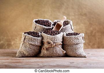 feijões café, em, burlap, sacolas