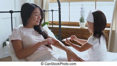 feindre, peu, jouer, fille, injection, mère, confection, ...