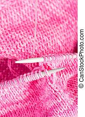 feito à mão, tricotando