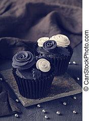 fekete, cupcakes, képben látható, egy, fából való, háttér