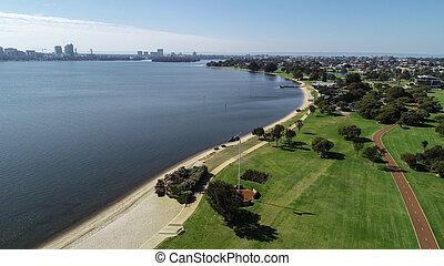 felülnézet, közül, déli, perth, western australia, mentén, bankot használ, közül, hattyú folyó, kiállítás, parkland, tengerpart, és, cycleway
