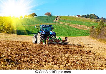 feld, traktor, pflüge, sonnenlicht, fruehjahr