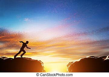 felett, két, gyorsan, szakadék, ugrás, futás, között, hegy.,...