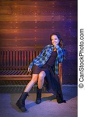 felfordulás életpálya, young felnőtt, woman portré, ülés, képben látható, erdő, bírói szék