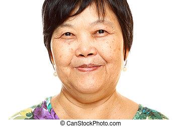 felice, 60s, anziano, donna asiatica, bianco, fondo