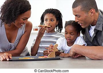 felice, afro-american, famiglia mangiando, casalingo, biscotti