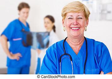 felice, anziano, dottore medico
