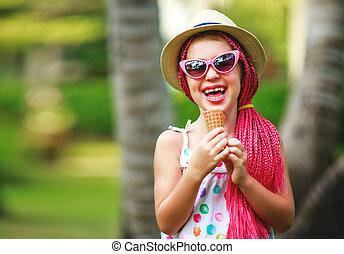 felice, bambino, ragazza, mangiare, gelato, su, estate