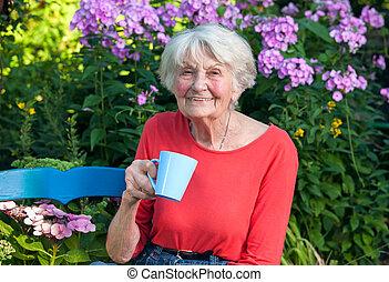 felice, caffè, detenere, giardino, nonna