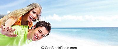 felice, giovane coppia, su, il, spiaggia.