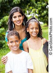 felice, indiano, fuori, bambini, madre
