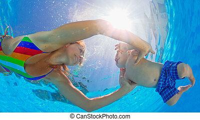 felice, madre, tuffo, subacqueo, con, piccolo bambino, in,...