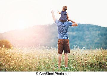 felice, padre figlio, su, uno, passeggiata, fuori