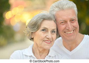 felice, vecchie persone