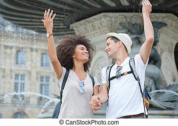 felicemente, coppia, giovane, fontana, fronte, proposta, turisti