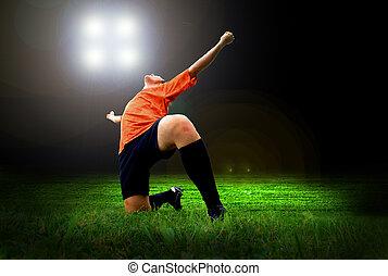 felicidade, jogador de futebol, após, meta, ligado, a, campo, de, estádio, com, luz