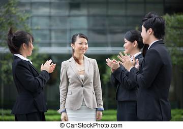felicitar, colleague., negocio asiático, equipo