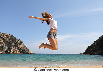 feliz, adolescente, pular, praia