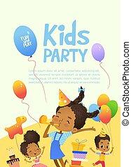 feliz, african - american, niños, en, cumpleaños, sombreros, y, globos, felizmente, jump., lindo, conejos, un, ramo, presentes, en, el, fondo., vector, ilustración, de, un, feliz cumpleaños, tarjeta de felicitación, o, invitación, flyer.