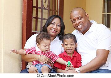 feliz, africano, familia , en, su, nuevo, house.