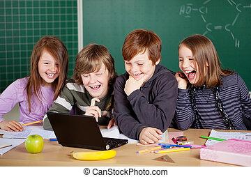 feliz, alumnos