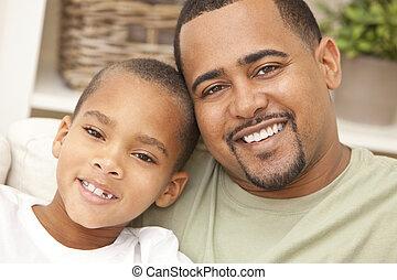 feliz, americano africano, pai filho, família