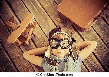 feliz, avião, brinquedo, tocando, criança