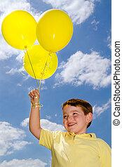 feliz, balões, criança