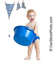 feliz, criança, lavando, seu, acessórios