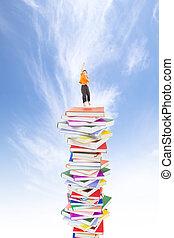 feliz, criança, pular, ligado, a, livros